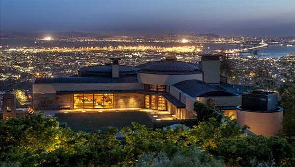 Explore San Francisco Luxury Real Estate And Tour Bay Area Homes For Sale.