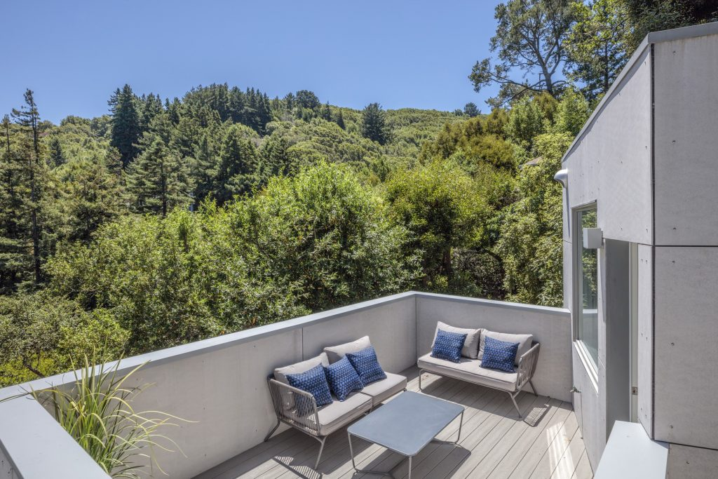 Home of the Week: Modern in Mill Valley deck