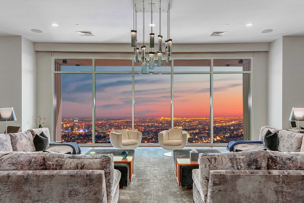 Home of the Week: Matthew Perry's astonishing LA sky palace view