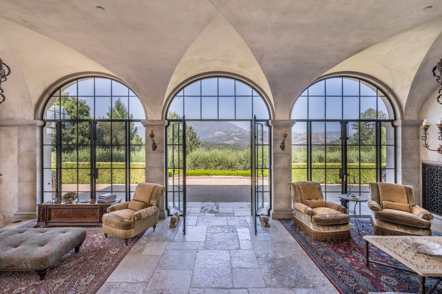Football legend's historic Tuscan estate in Napa wine country