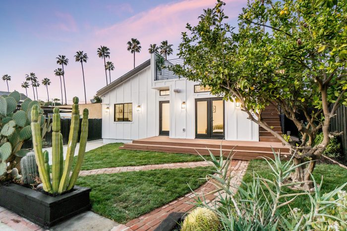 Eagle Rock smart home with rooftop deck