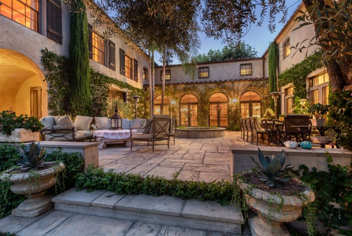 This Marston & Mayberry Italian Revival is quintessential Pasadena