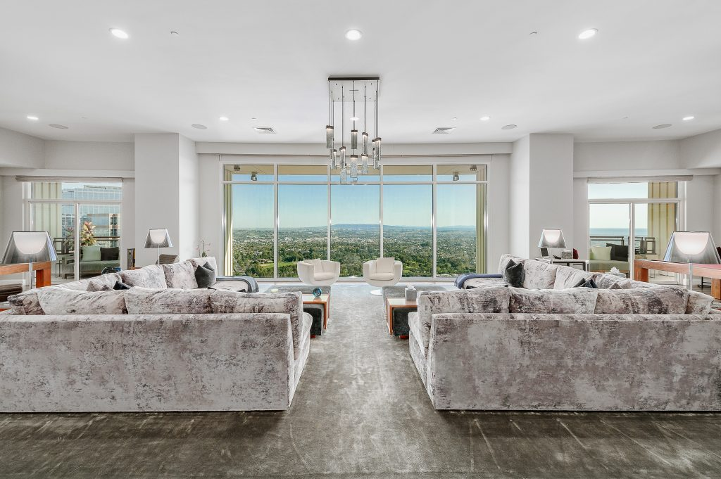 Home of the Week: Matthew Perry's astonishing LA sky palace living room