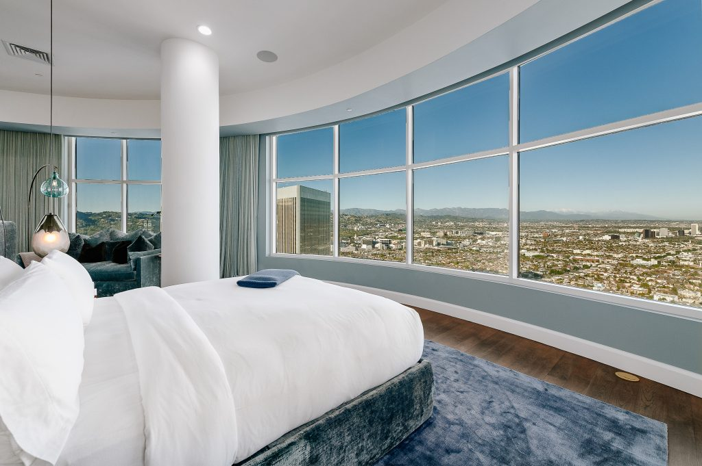 Home of the Week: Matthew Perry's astonishing LA sky palace bedroom