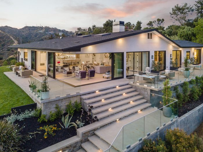 Pasadena home with indoor outdoor rooms