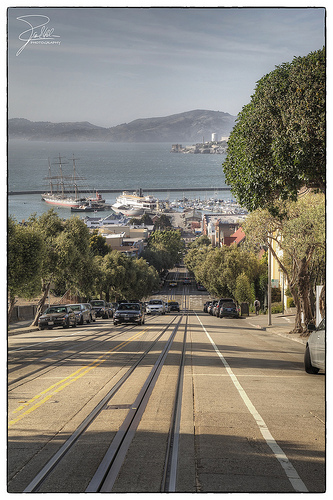 Image of street view and bay in San Francisco