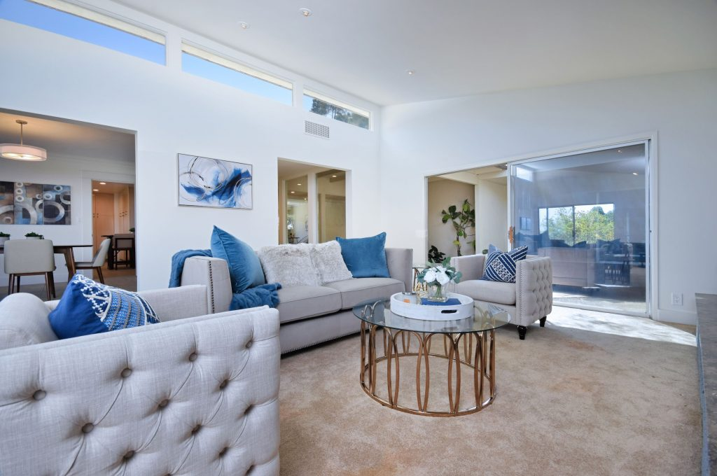 Exhilarating views from the Sherman Oaks hills living room
