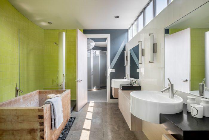 Bathroom modern.
