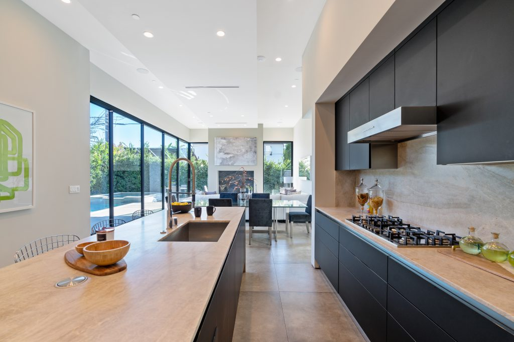 Showing Beverly Grove home kitchen