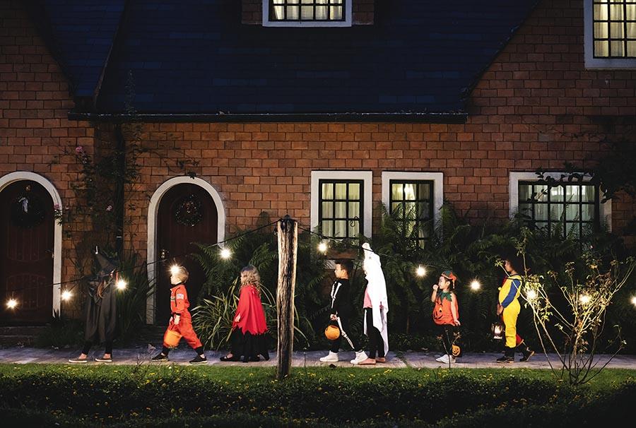 halloween kids on street