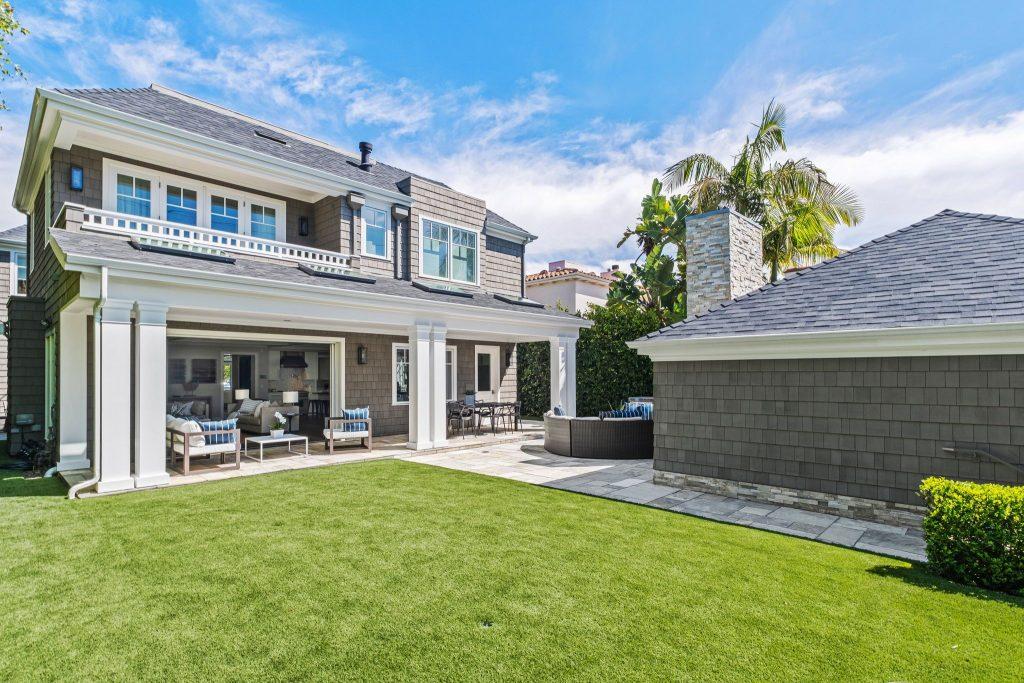 Rare retreat in prime Santa Monica backyard