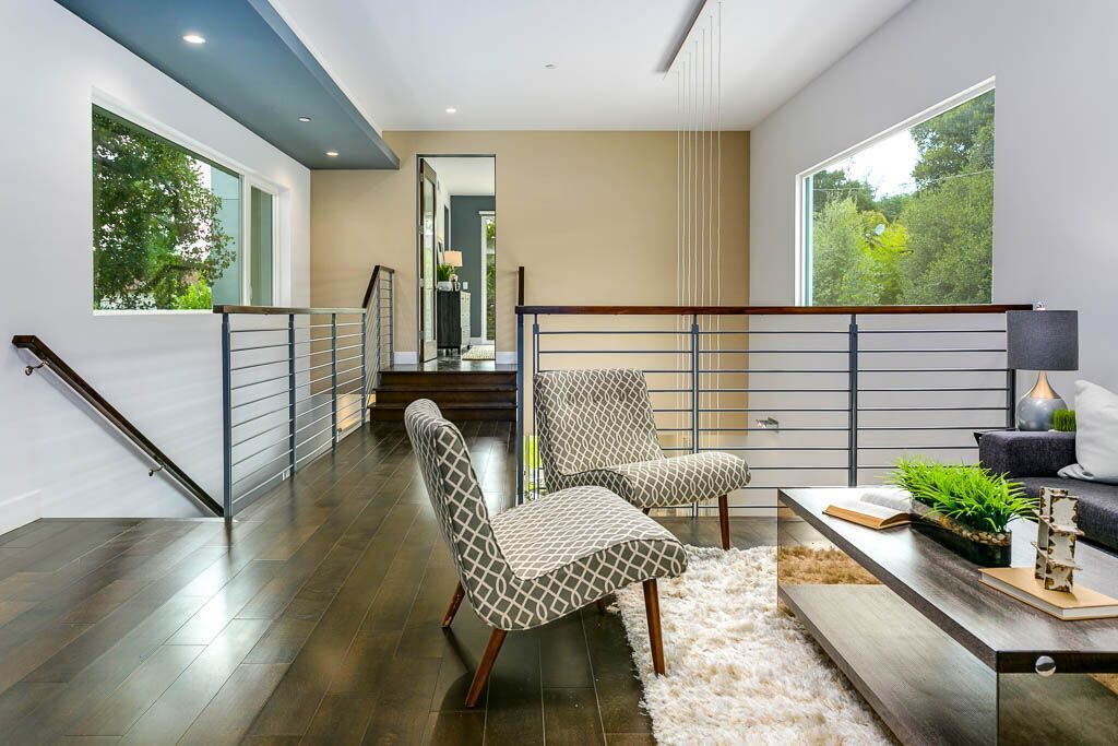 Airy modern home in Sierra Madre - upstairs