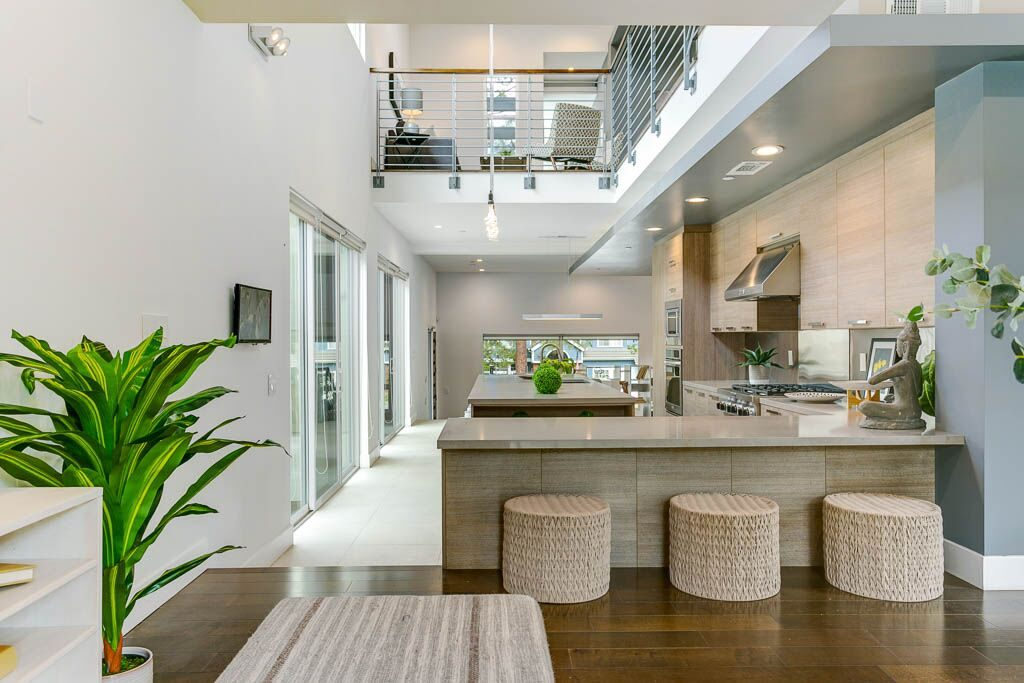 Airy modern home in Sierra Madre - rooftop patio