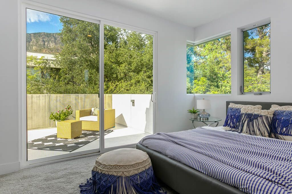 Airy modern home in Sierra Madre - master suite