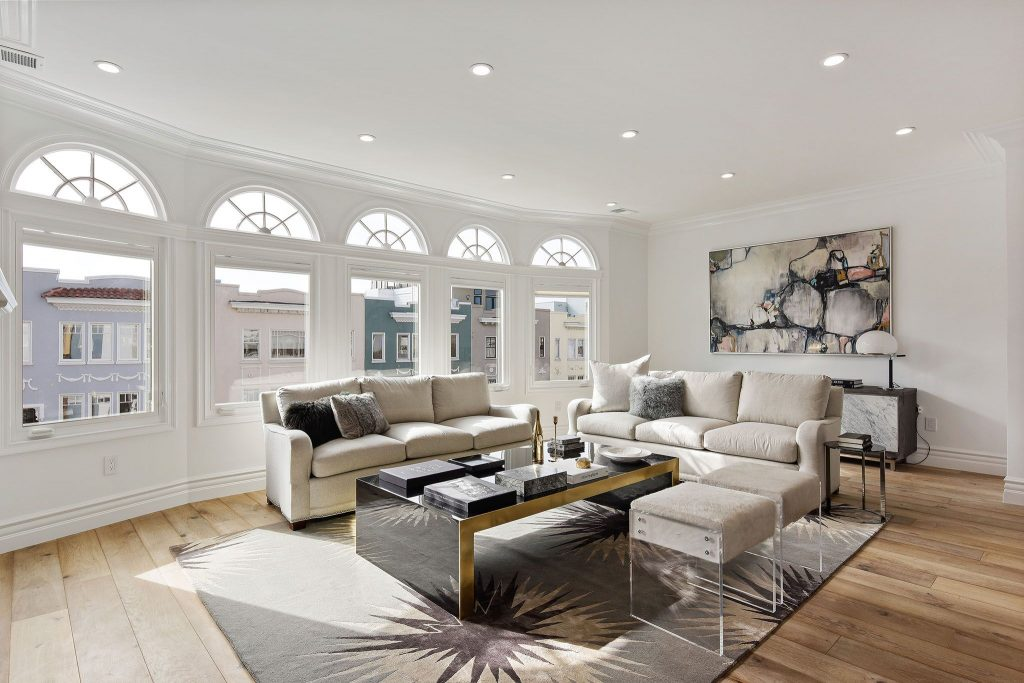 Showing modern living room in Marina