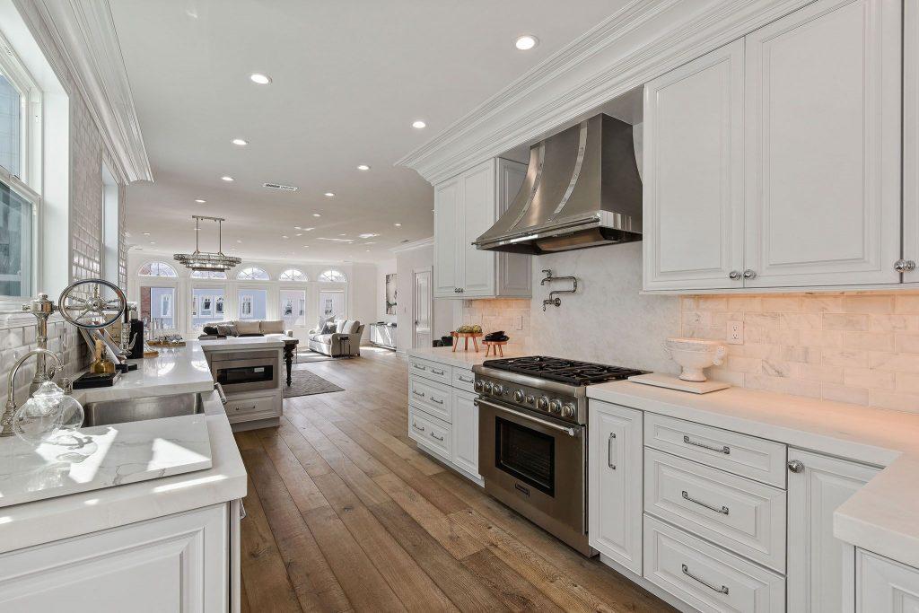 Showing alternative view of Marina kitchen