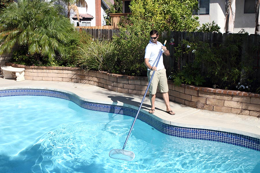 Pool cleaning - Pacific Union