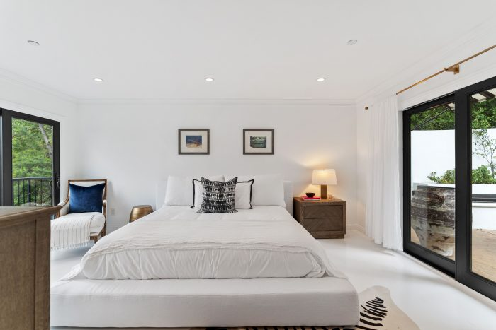 Mediterranean refuge in Silver Lake hills - bedroom