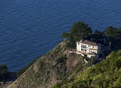 Coastal home in San Francisco's Seacliff