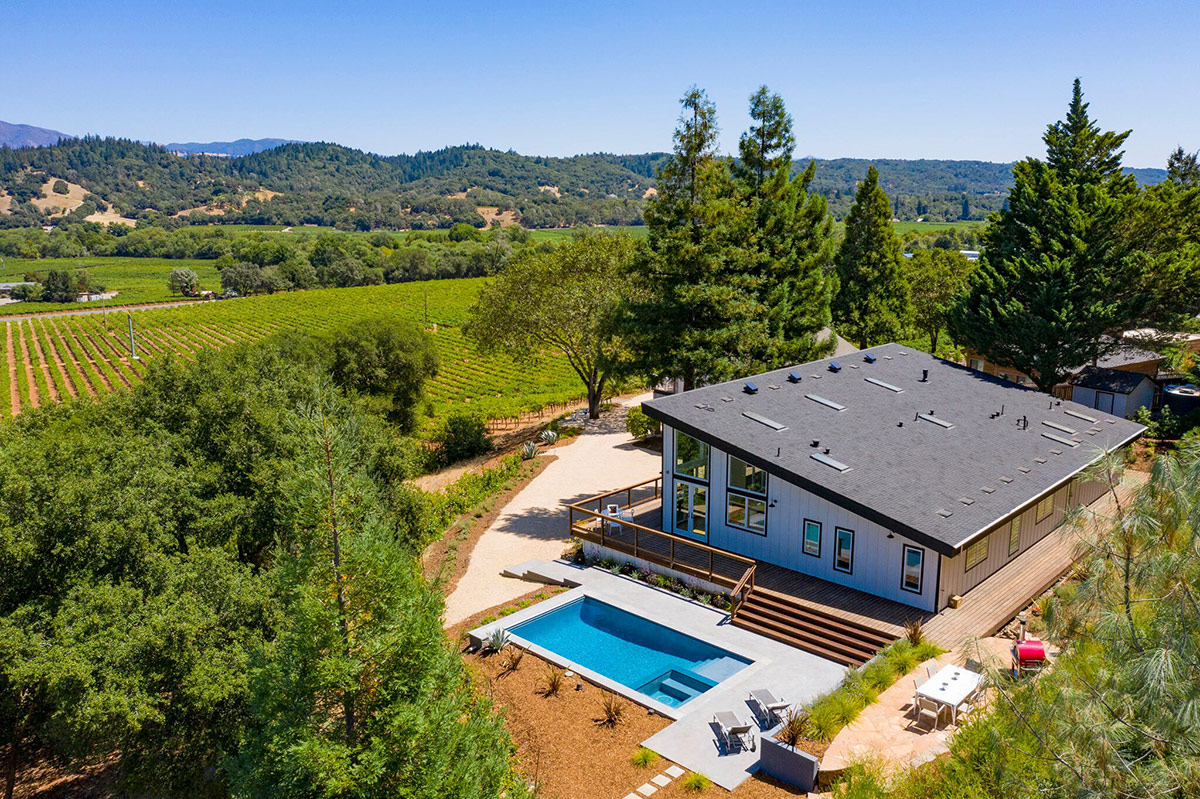 Panoramic new view estate brings Wine Country in